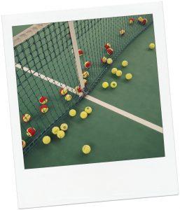 Een gezellig potje tennis tijdens je bedrijfsuitje