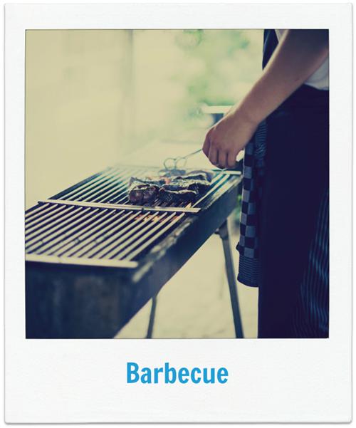 Uitgebreid barbecuen met het hele bedrijf